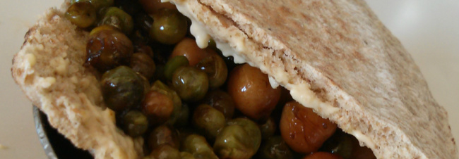 peas-and-chick-peas-pitta-bread